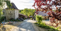 Camping Naturiste Le Colombier - Saint-Martin-Lars-en-Sainte-Hermine