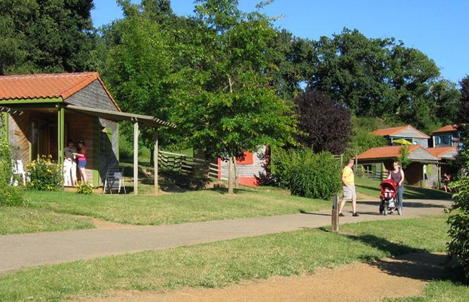 Camping LE HAMEAU DU PETIT LAY 4 - Mouchamps