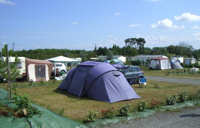 Camping DOMAINE DE BELLEVUE 23 - Saint-Christophe-du-Ligneron
