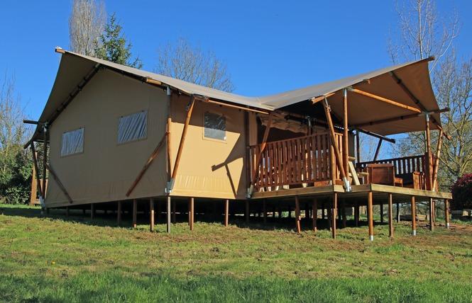 Camping Naturiste Le Colombier 16 - Saint-Martin-Lars-en-Sainte-Hermine