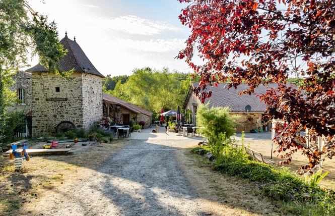 Camping Naturiste Le Colombier 9 - Saint-Martin-Lars-en-Sainte-Hermine