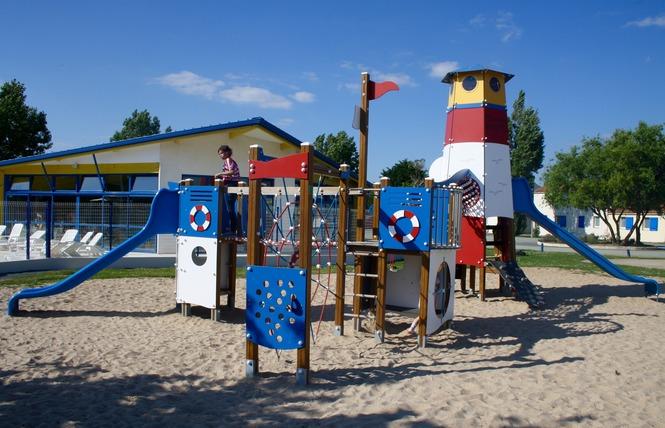 Camping DOMAINE DES GUIFETTES 10 - Luçon