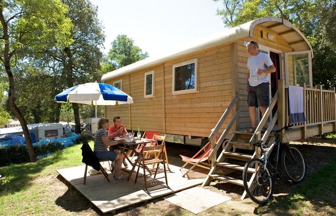 Camping LE PETIT ROCHER 21 - Longeville-sur-Mer