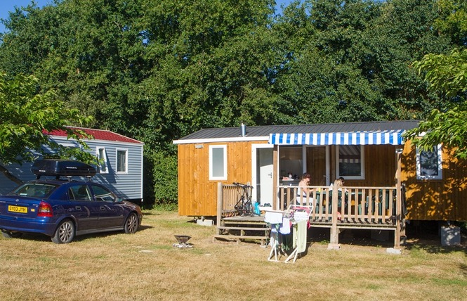 Camping VILLAGE DE LA GUYONNIERE 16 - Saint-Julien-des-Landes