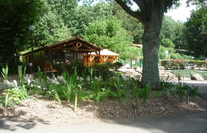 Camping LA VALLEE DE POUPET 3 - Saint-Malô-du-Bois