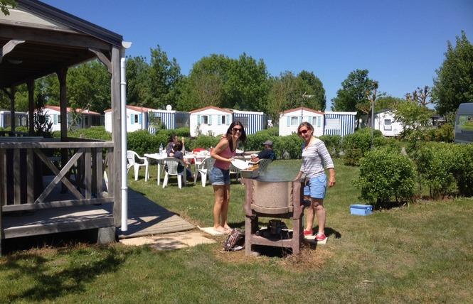 Camping LA DIVE 18 - Saint-Michel-en-l'Herm