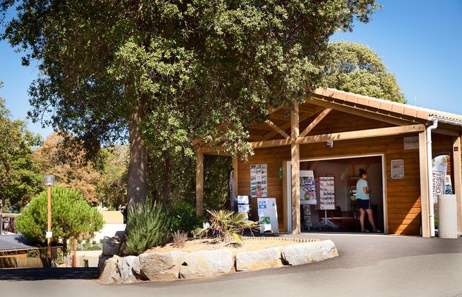 Camping LE PETIT ROCHER 27 - Longeville-sur-Mer